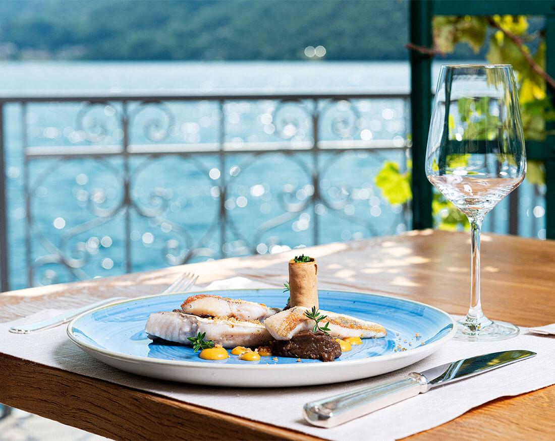 Hotel ristorante Giardinetto piatto veranda portfolio Claudio Bellosta
