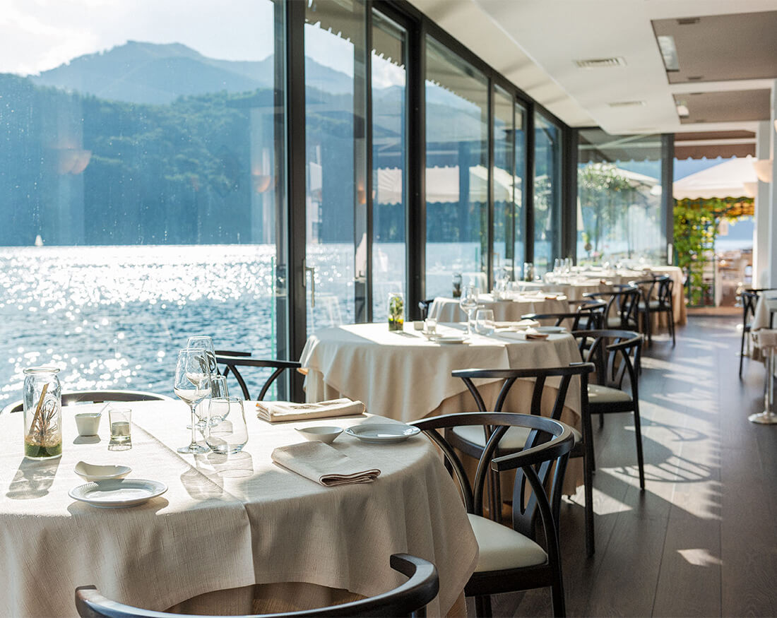 Hotel ristorante Giardinetto sala interna portfolio Claudio Bellosta