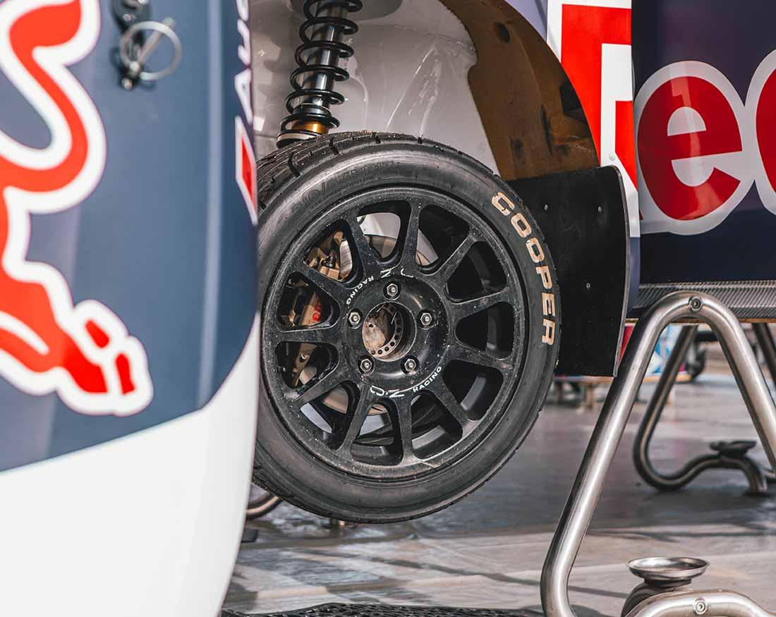 Red-Bull-dettaglio-ruota-portfolio-Claudio-Bellosta-Studio